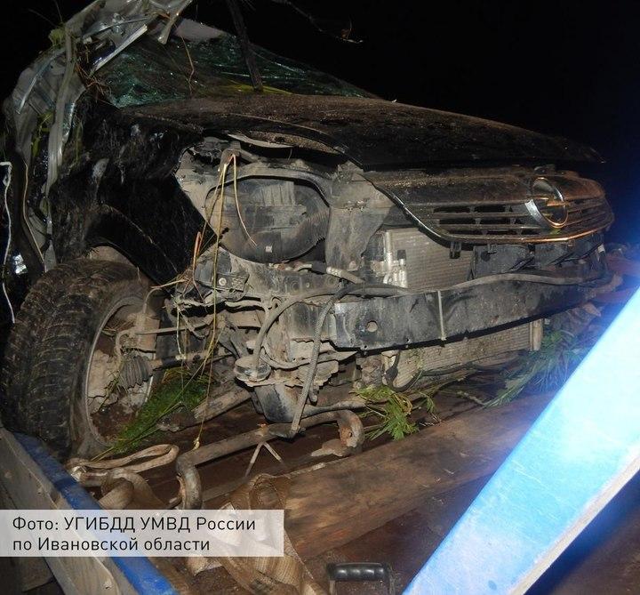 ВИвановской области иностранная машина вылетела вкювет, погибли два человека