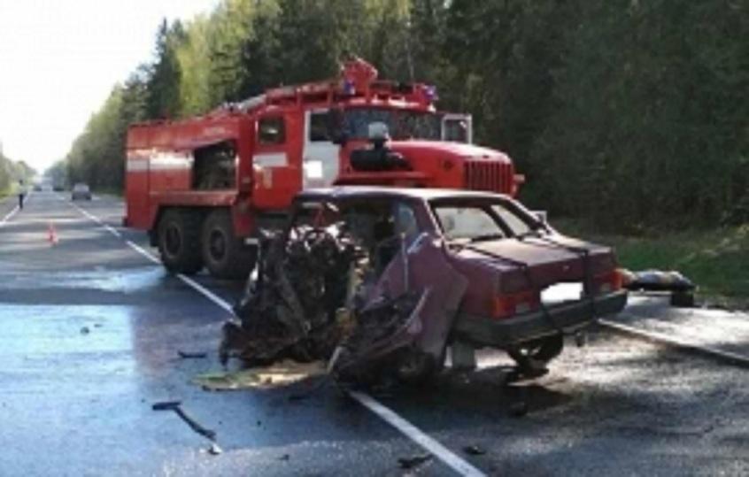 Два человека погибли встрашном столкновении вИвановской области